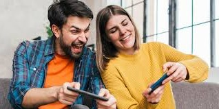 7 Funky Mobile Games Couples Can Play